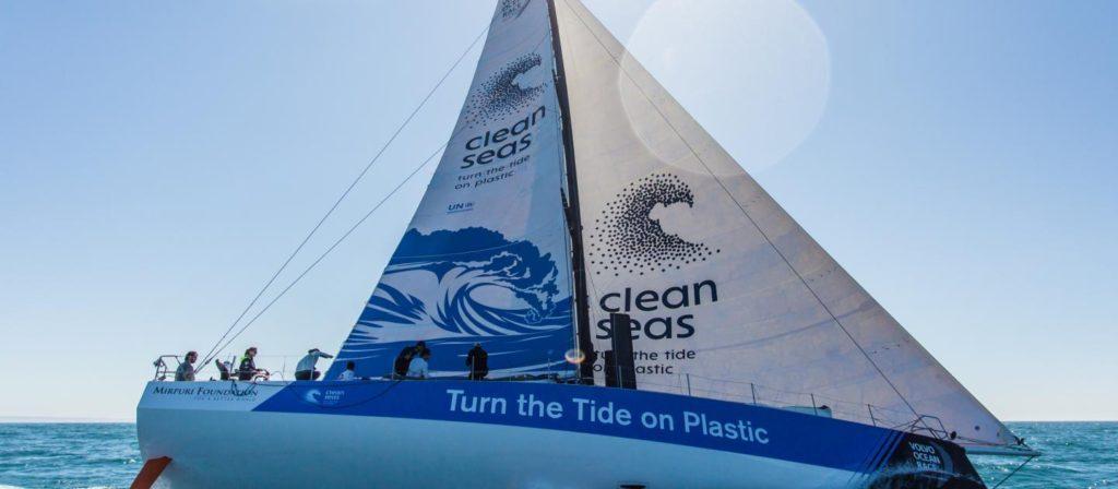 Em Itajaí, ONU pede fim da poluição plástica durante maior regata à vela do mundo